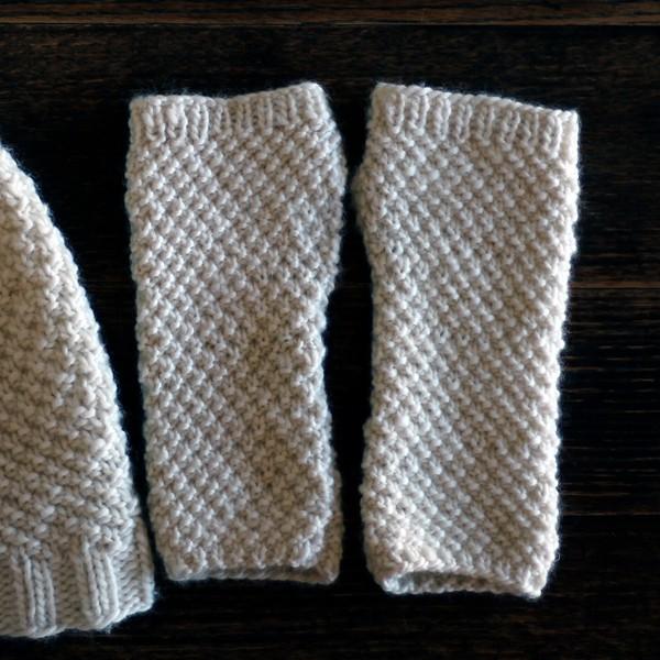 LOVE : Fingerless Gloves Knitting Pattern - Brome Fields
