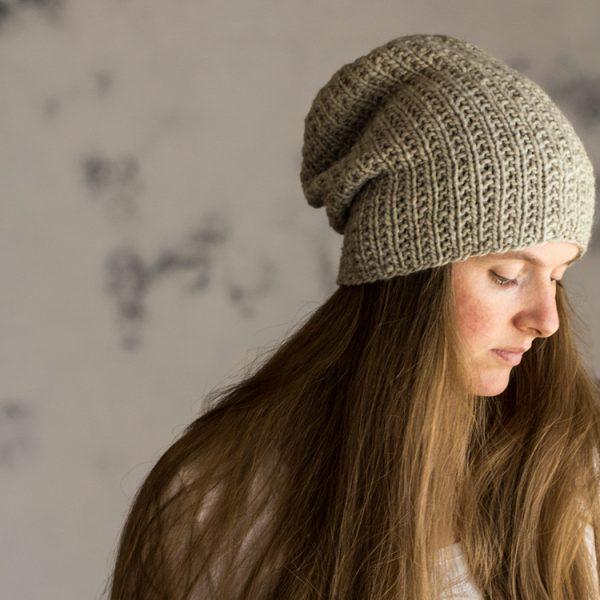Beauty : Women's Slouchy Hat Knitting Pattern