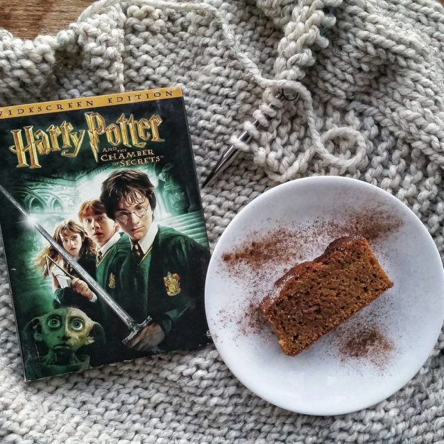 Spending the evening with family and old friends. #harrypotterknitathon …