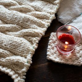 Super easy coaster FREE knitting pattern!
