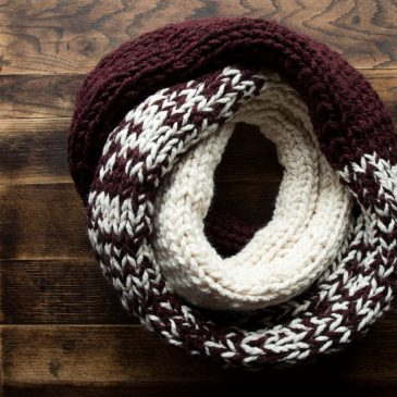 Super easy scarf knitting pattern!