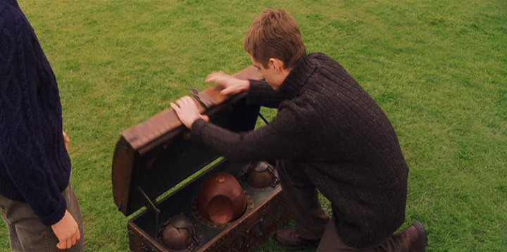 All Things Knitted in Harry Potter and the Sorcerer's Stone, Brome Fields