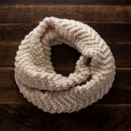 FREE Cowl Knitting Pattern : Chevron Knit Stitch : Brome Fields