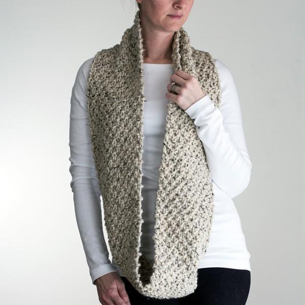 FREE Infinity Scarf Cowl Knitting Pattern