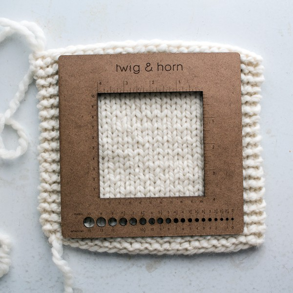 Kim, Lang Knitting Gauge