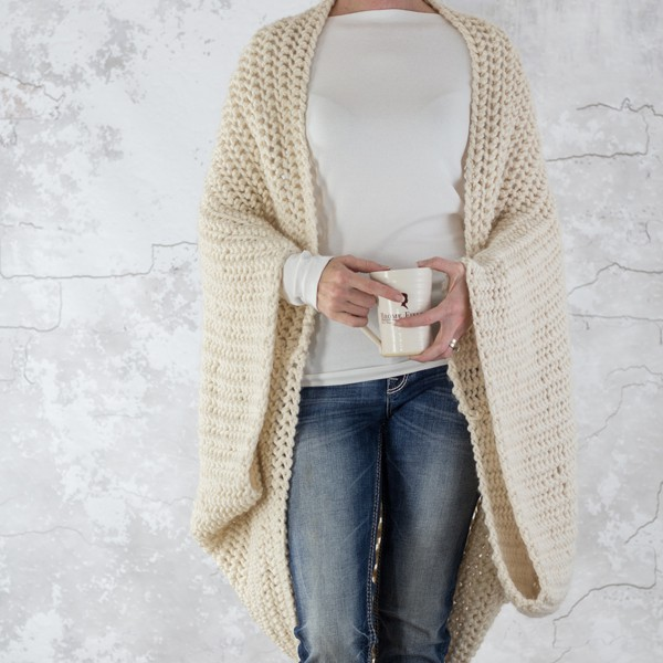 LOVELINESS : Scoop Shrug Knitting Pattern