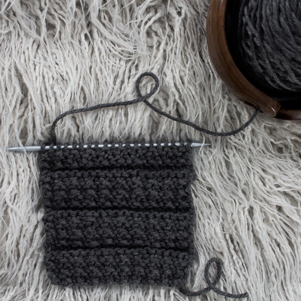 Broken Rib Garter Knit Stitch : Day 6 of the 21 Days of Beginner Knit Stitches : Brome Fields : #21daysofbeginnerknitstitches