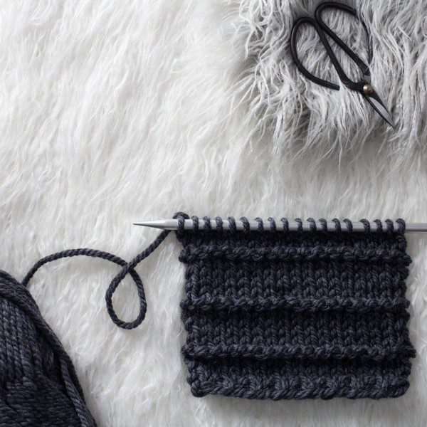 Alternating Smooth & Ridge Knit Stitch : Day 21 of the 21 Days of Beginner Knit Stitches : Brome Fields : #21daysofbeginnerknitstitches