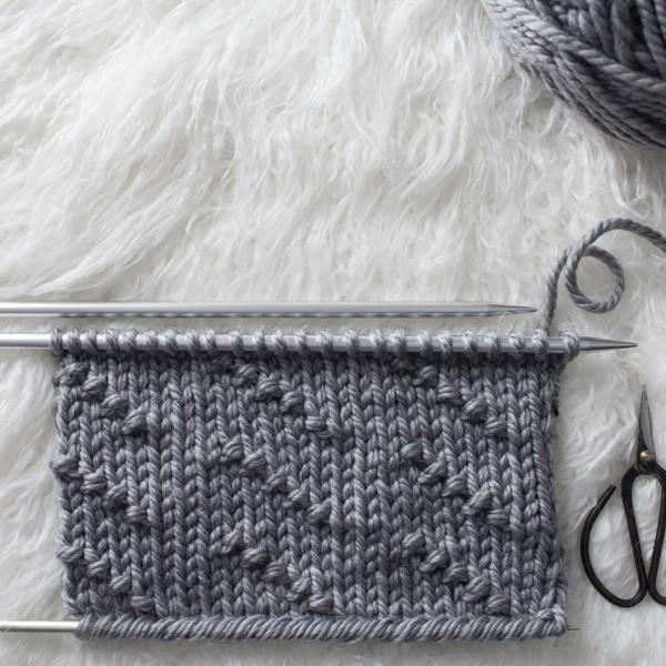 Broken Diagonal Seed Knit Stitch : Day 15 of the 21 Days of Beginner Knit Stitches : Brome Fields : #21daysofbeginnerknitstitches