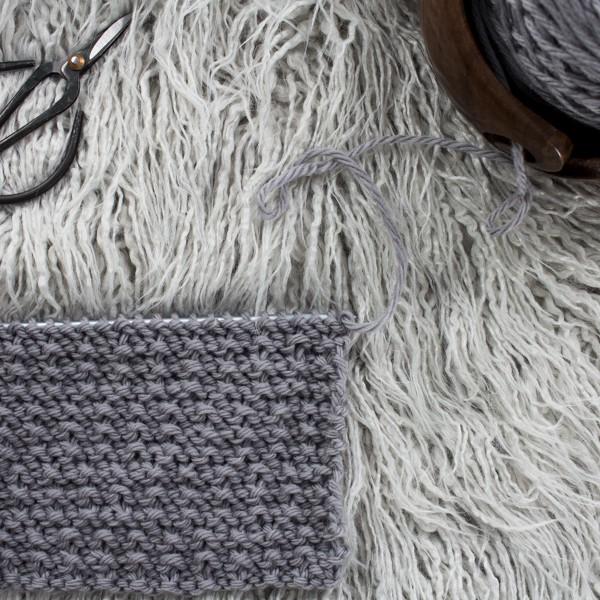 Alternating Broken Rib Knit Stitch : Day 2 of the 21 Days of Beginner Knit Stitches : Brome Fields