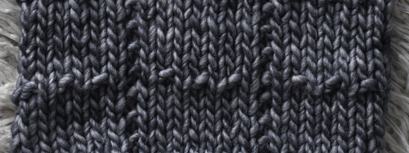 Dotted Grid Knit Stitch : Day 4 of the 21 Days of Beginner Knit Stitches : Brome Fields : #21daysofbeginnerknitstitches