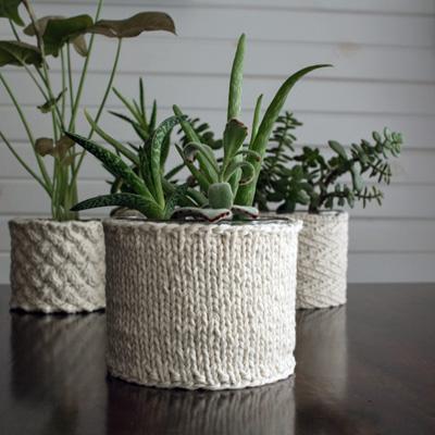 {FREE} Stockinette Stitch Plant Cozy Knitting Pattern